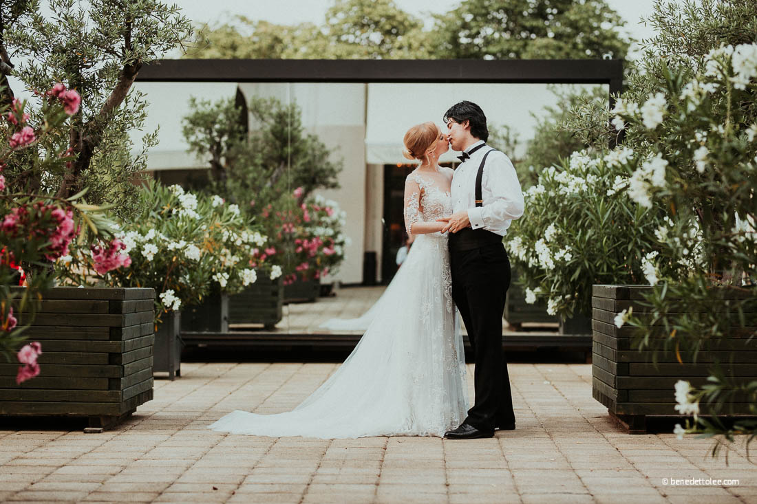 Oleander Terrace of Hotel Esplanade wedding photos