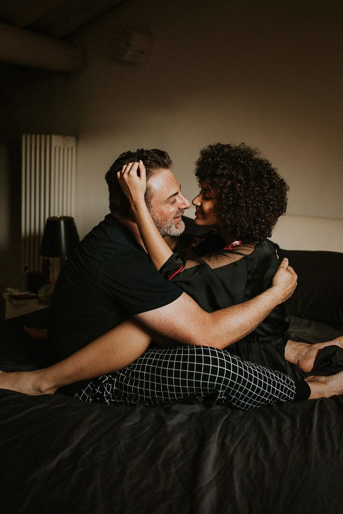 The Best Cozy In-Home Couple Session Photos of 2019 Benedetto Lee
