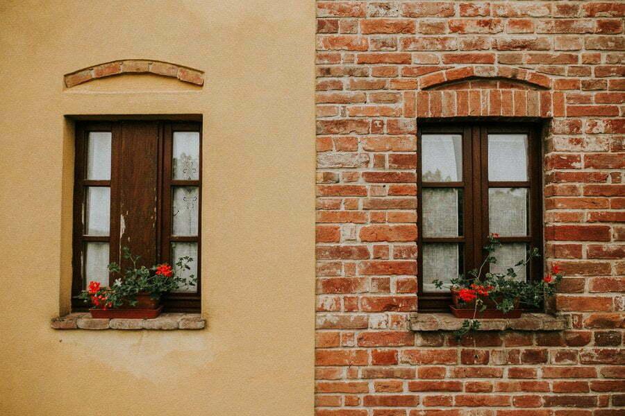 Two windows of Casale del Marchese