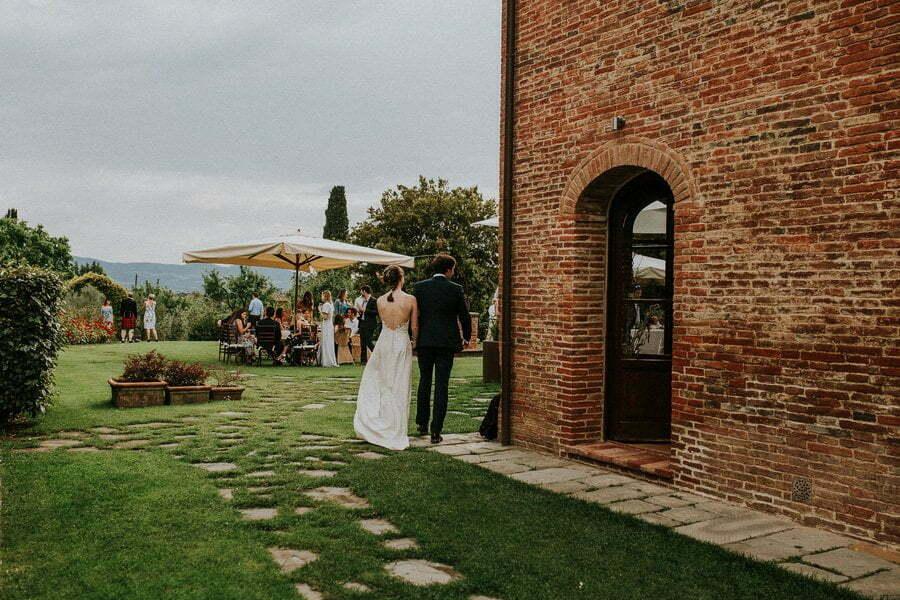couple walking in Casale del Marchese