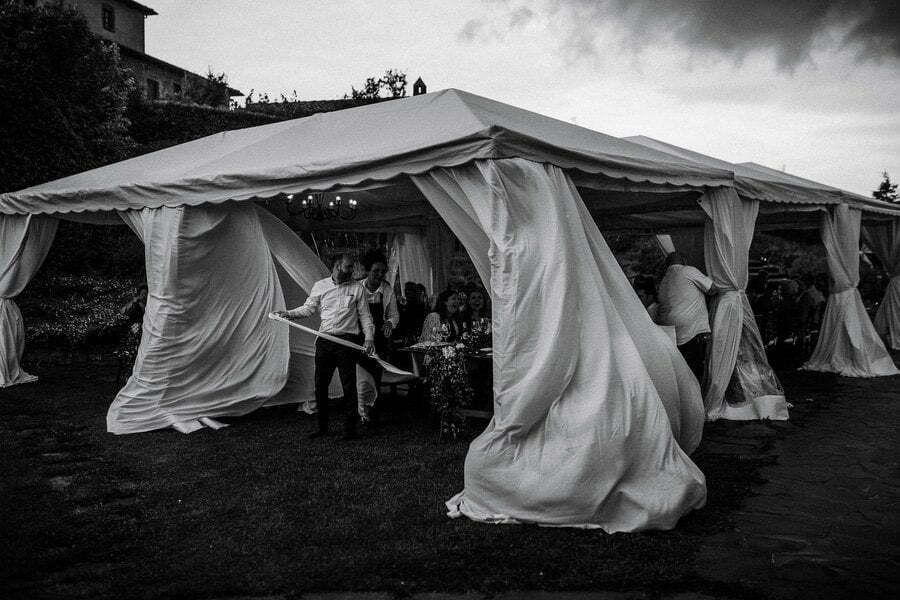 storm on outdoor wedding in Tuscany